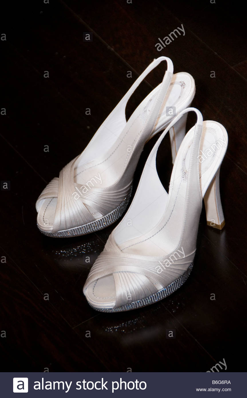 Pair High Heel Shoe Stockfotos & Pair High Heel Shoe Bilder - Seite ...