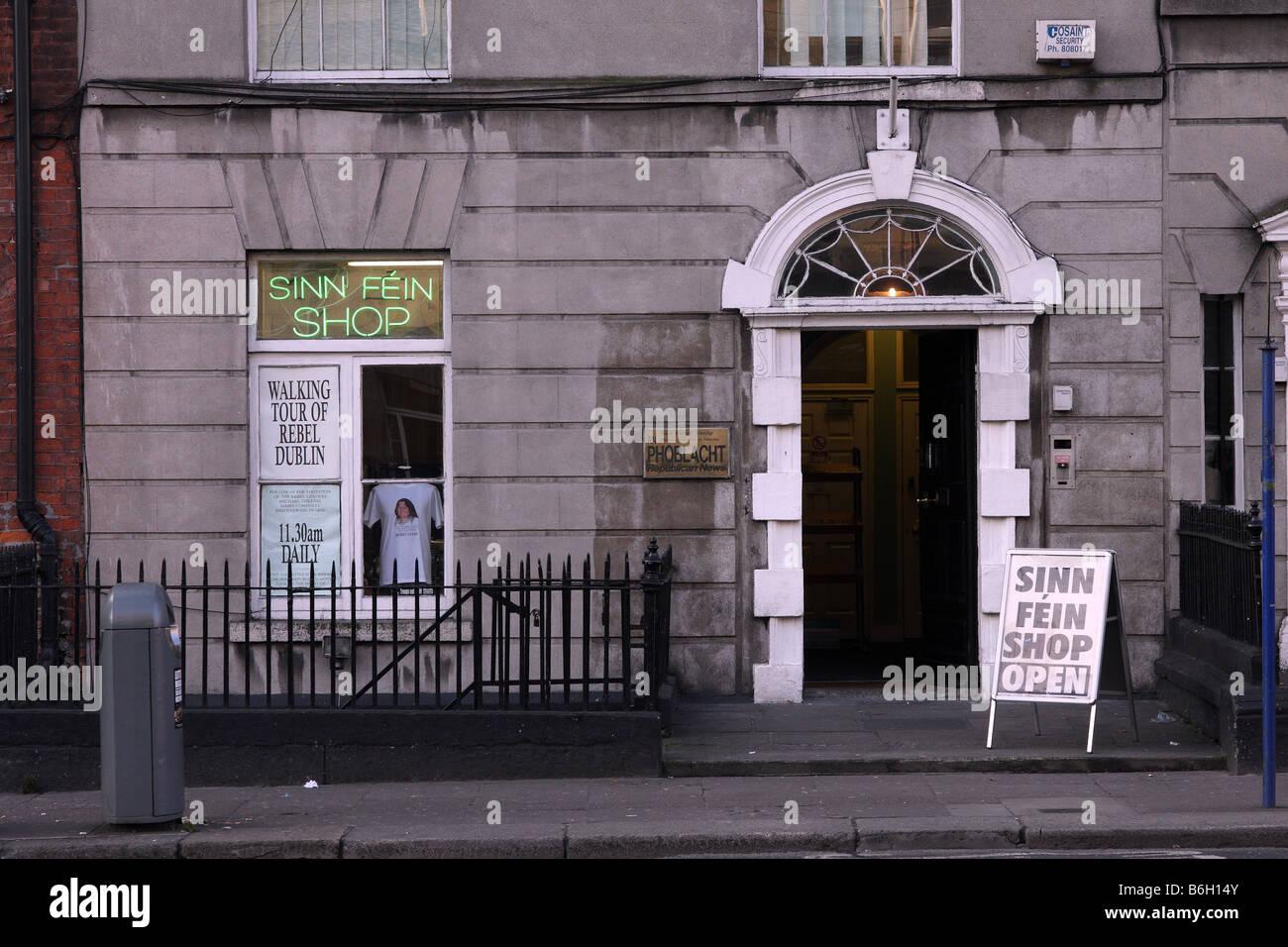 Das Geschäft der politischen Partei Sinn Féin in der Stadt Dublin in Irland Stockbild