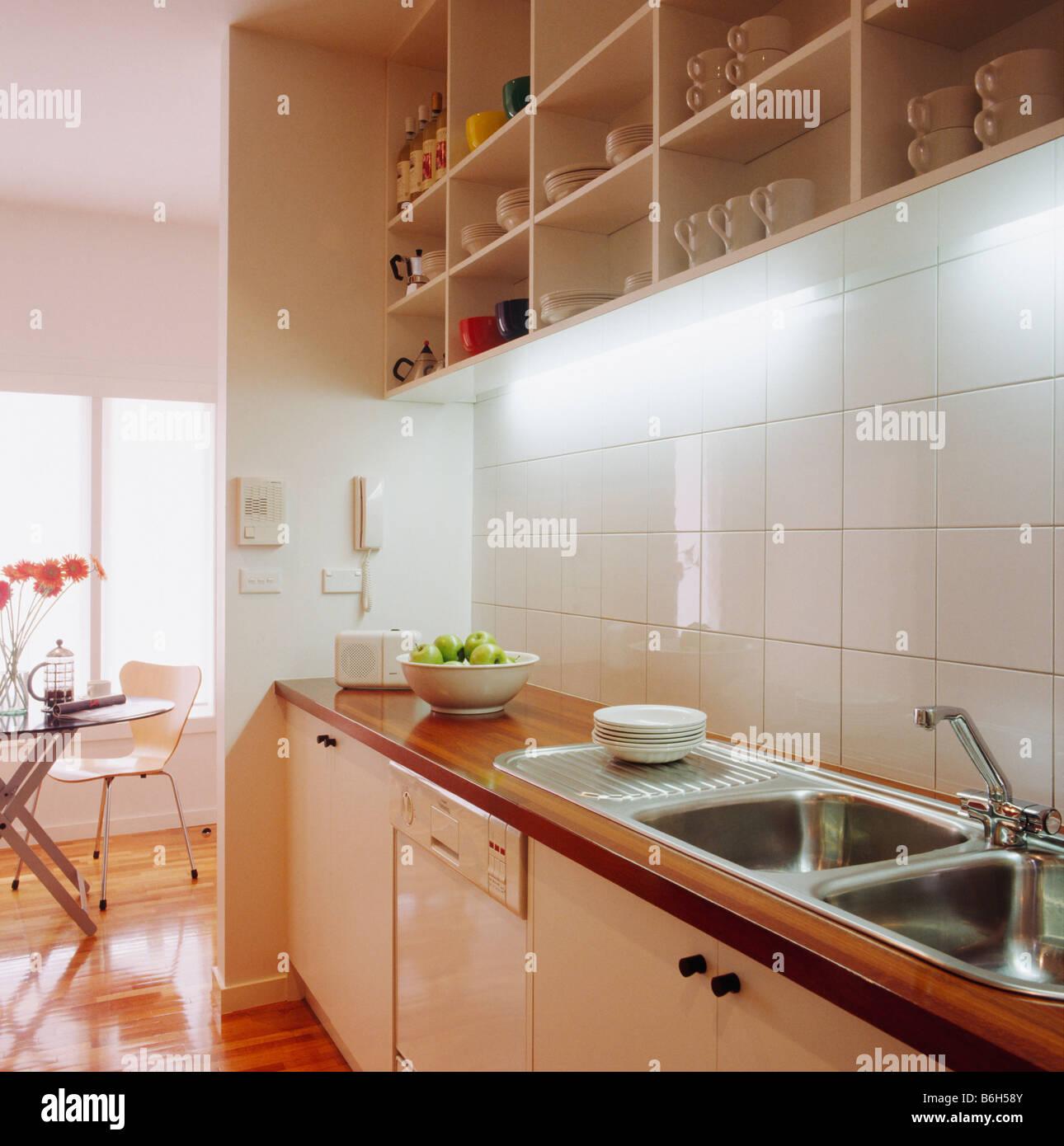 Charmant Pantry Küche Lichtideen Bilder Fotos - Ideen Für Die Küche ...