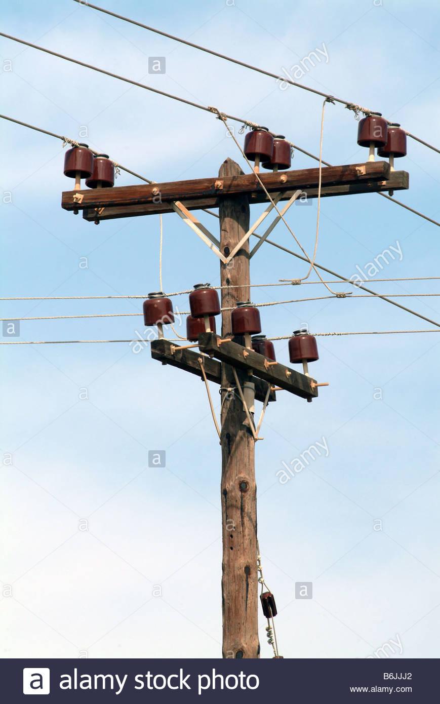 elektrische pylon strom oder telefonmast holz h lzern stockfoto bild 21308058 alamy. Black Bedroom Furniture Sets. Home Design Ideas