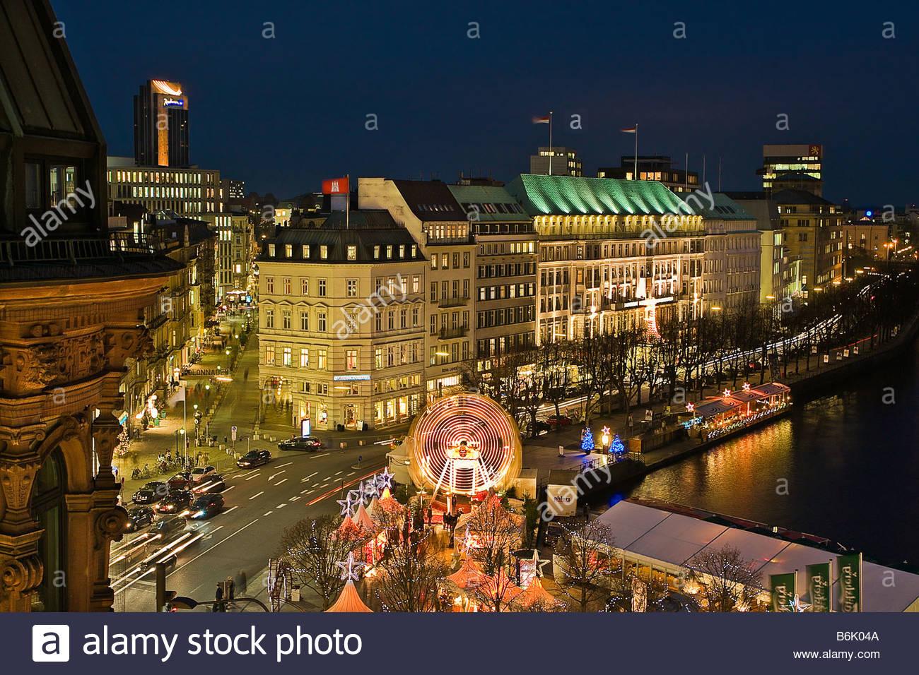 Der beleuchtete innenstadt und der alster in hamburg for Hamburg hotel innenstadt
