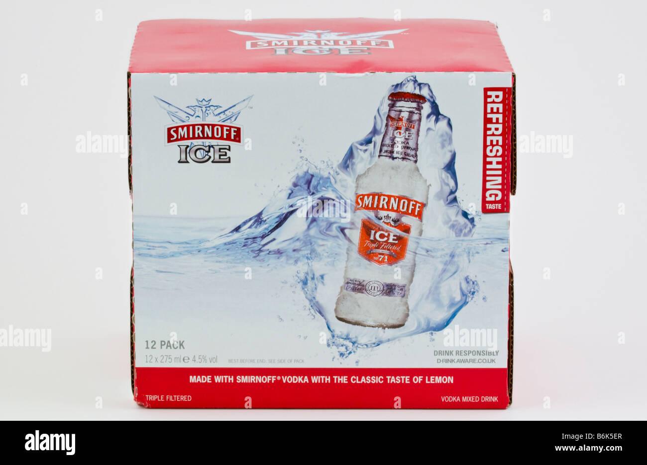 Kiste mit 12 Flaschen Smirnoff Ice Wodka Mixgetränk produziert und ...
