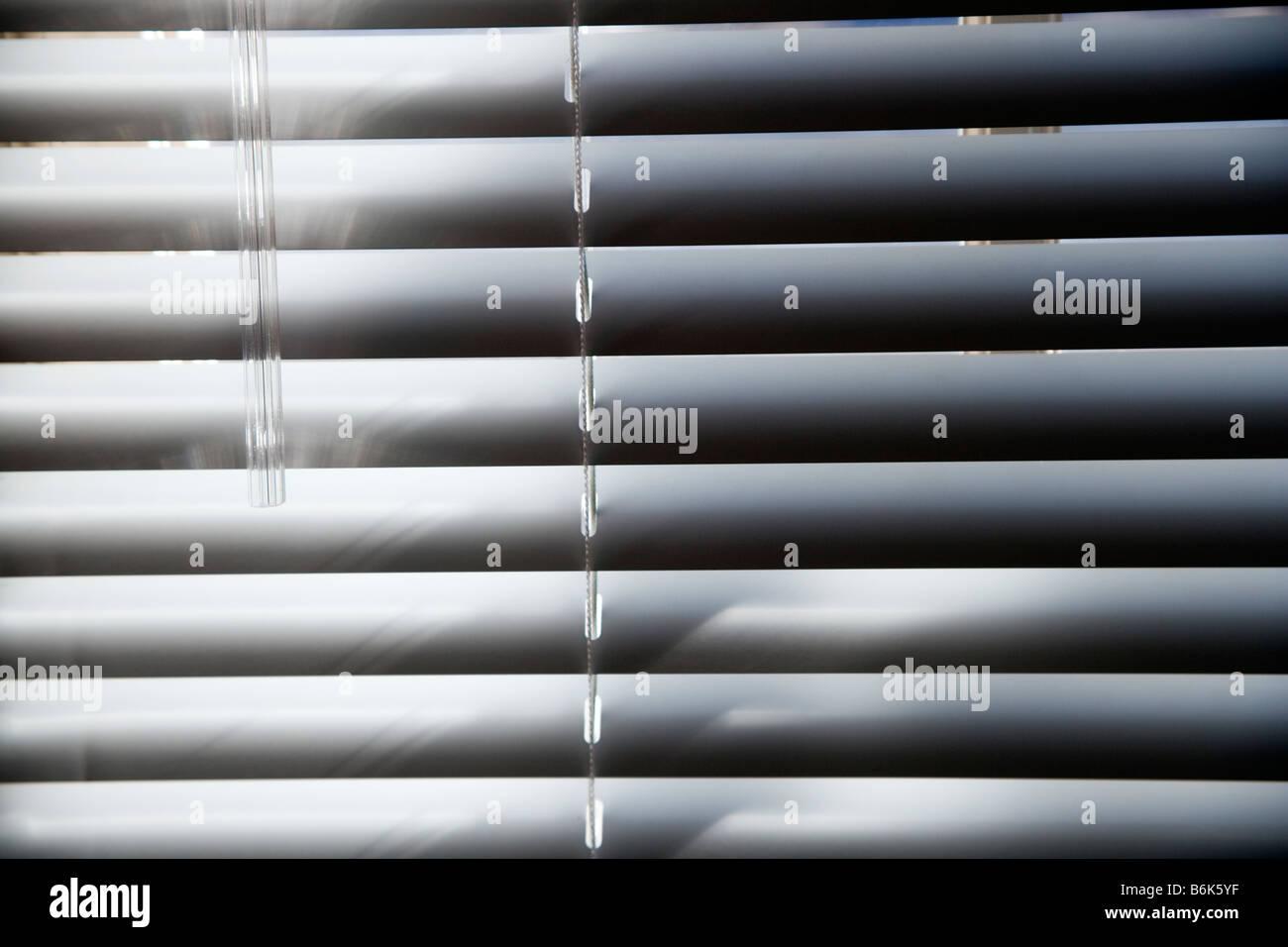 Abstrakte Foto des Sonnenlichts auf Horizontal-Jalousien Stockbild