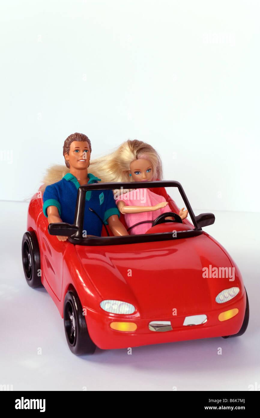 barbie und ken puppen der barbie auto stockfoto bild. Black Bedroom Furniture Sets. Home Design Ideas