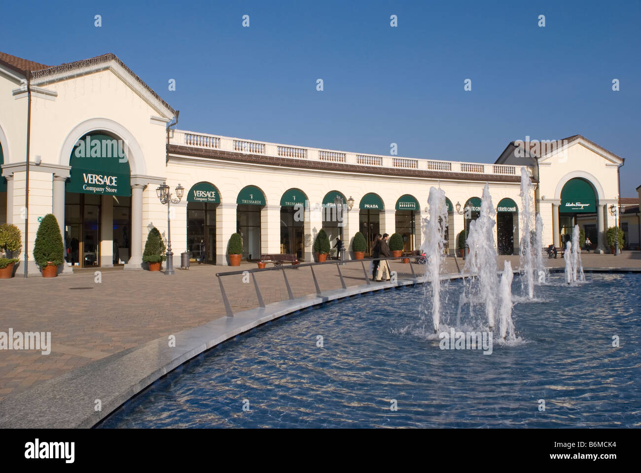 Serravalle Scrivia Outlet Shopping-Center Alessandria ...