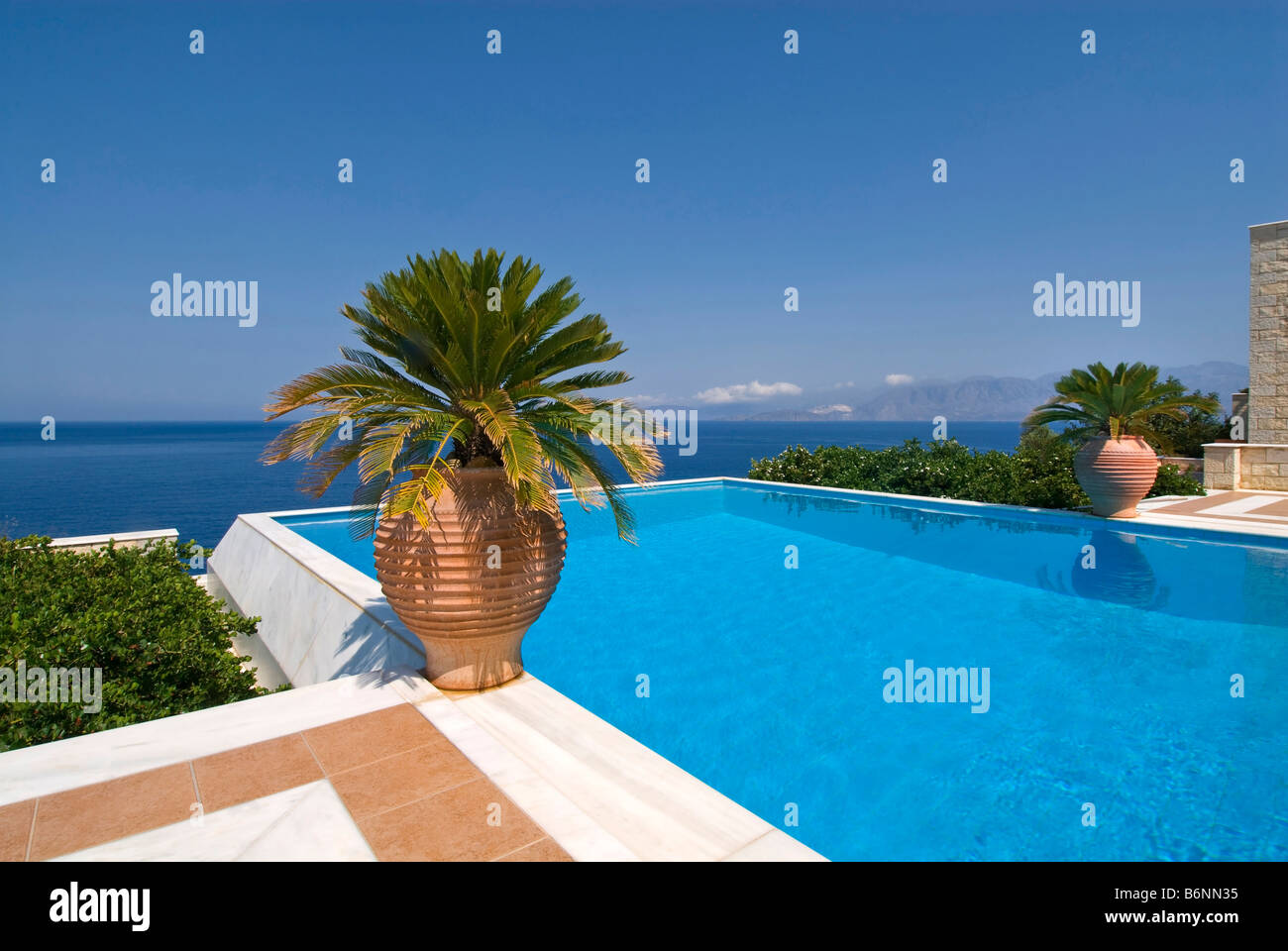 Grecian stockfotos grecian bilder alamy - Was ist ein infinity pool ...