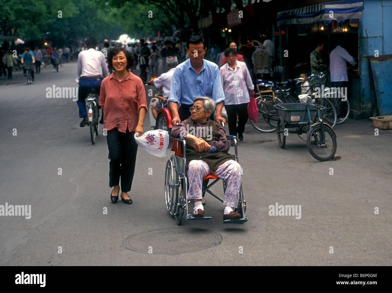 Asien frauen suchen mann