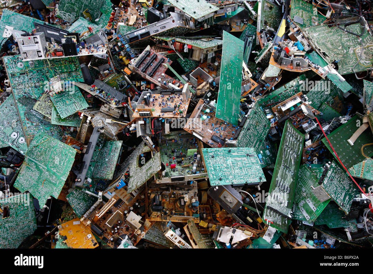 Elektronikschrott, gebraucht alt Computer-Teile für das recycling Stockbild