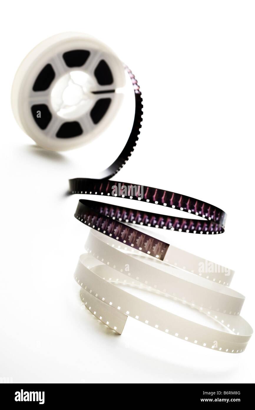 ein 8mm Filmrolle auf weiß Stockbild