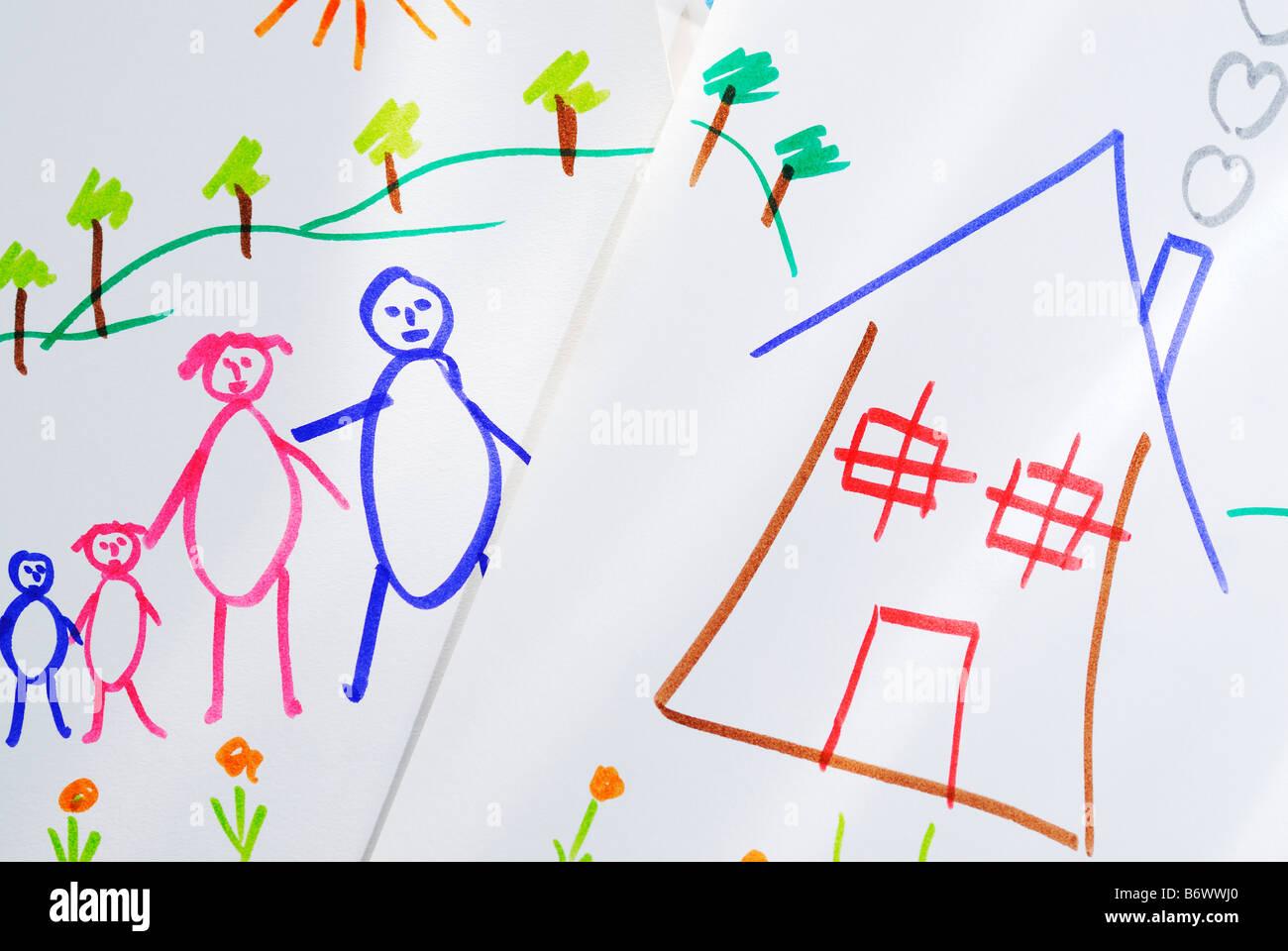 Kindlichen Zeichnungen von Haus und Familie Stockbild