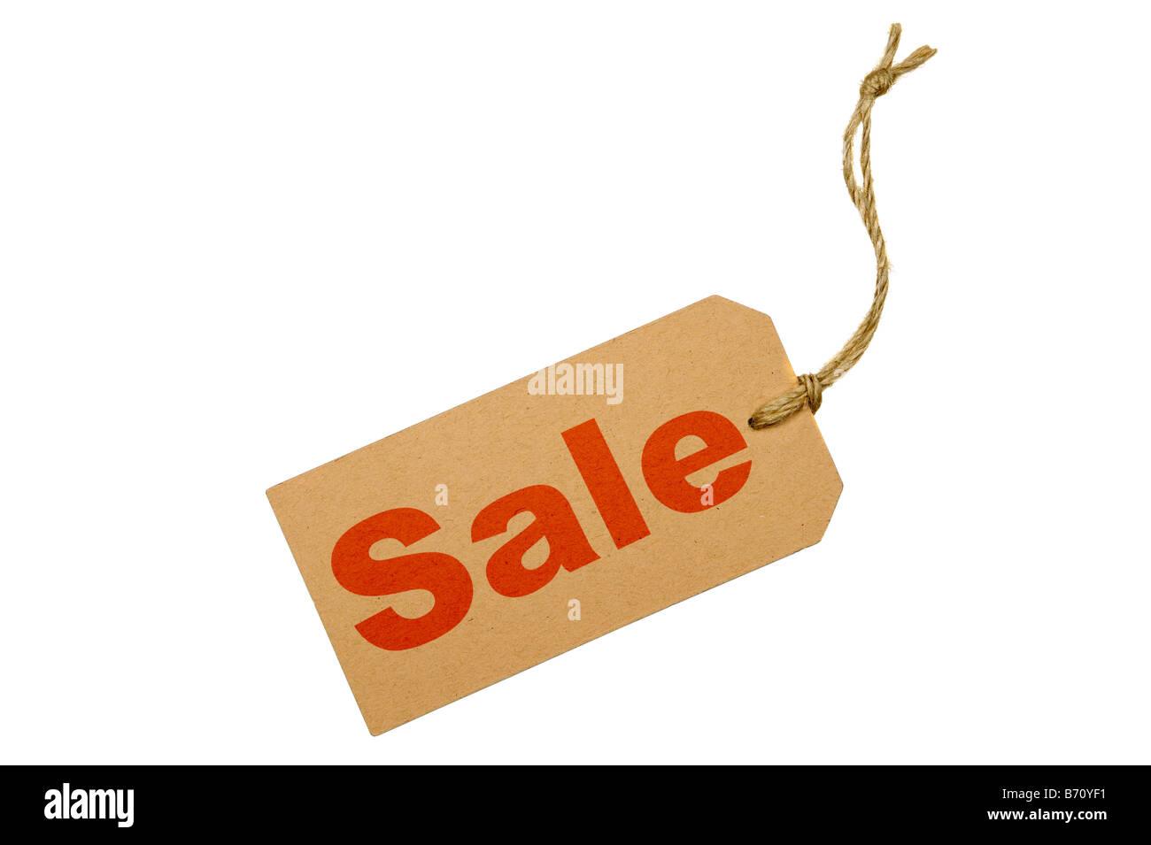 Braune Gepäckanhänger mit dem Wort Verkauf isoliert auf weißem Hintergrund Stockbild