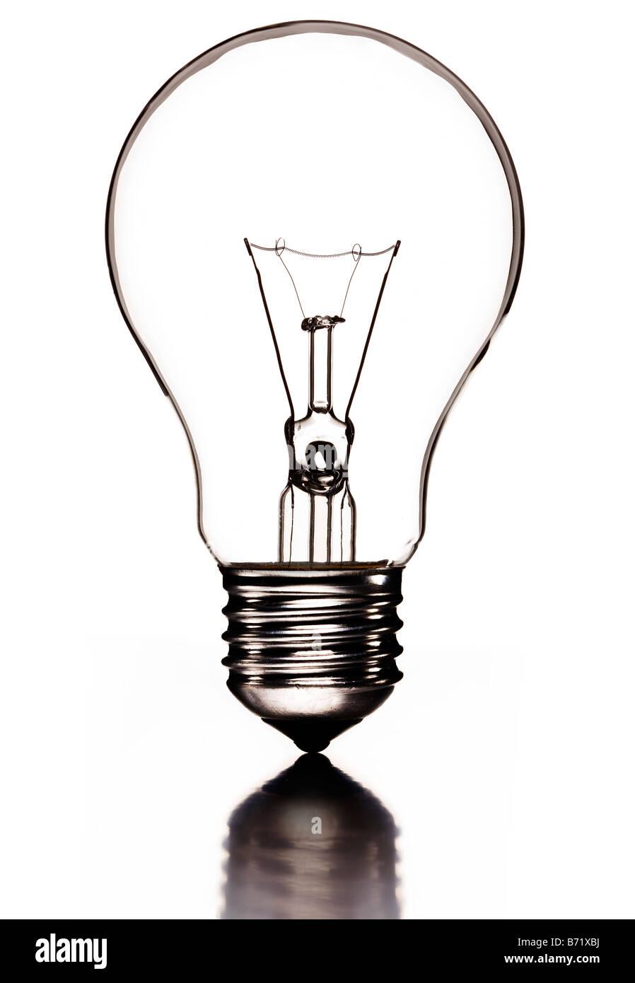 """Transparente Glühbirne mit Filament und Edison Schraube oder """"ES"""" Lampe Stockbild"""