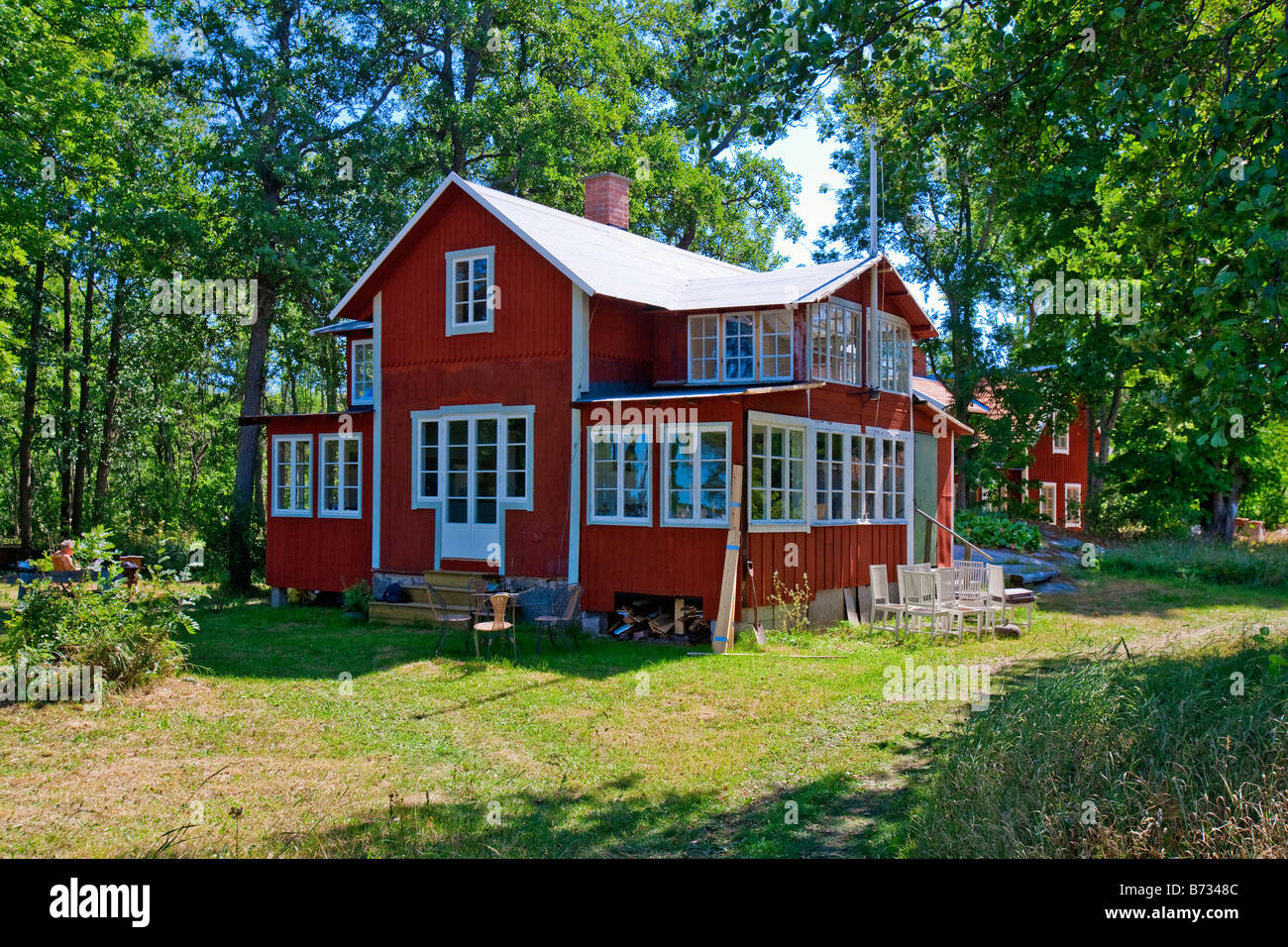 schweden stockholm stockholm u eren sch ren r dl ga insel typischen traditionellen rotes haus. Black Bedroom Furniture Sets. Home Design Ideas