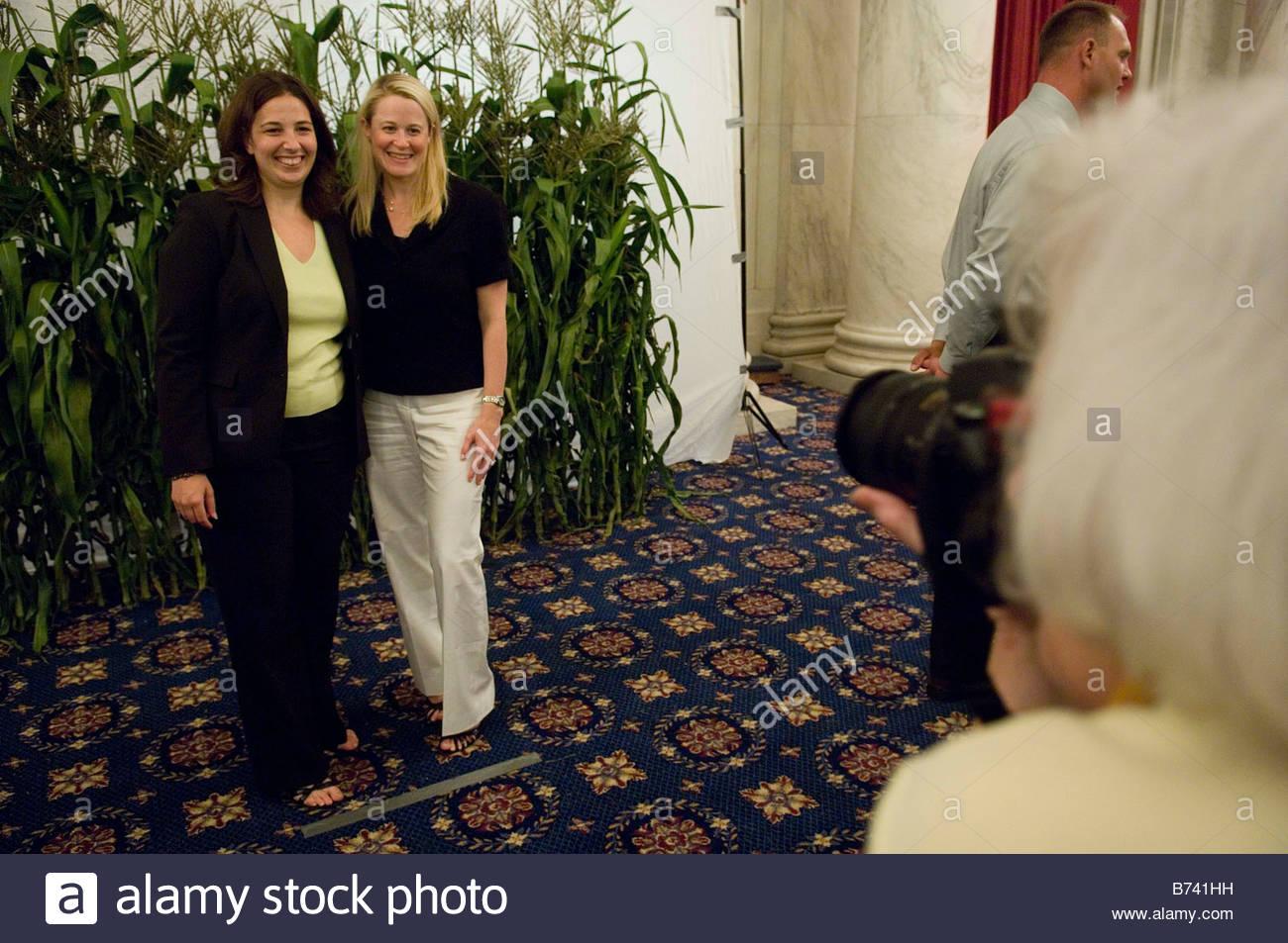 07 12 06 Elissa Levin ein Berater von Rep Tammy Baldwin D Wis und ...
