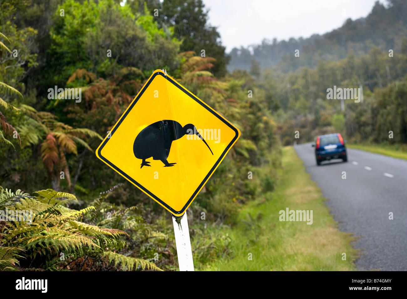 Neuseeland, Südinsel, Punakaiki, Vorsicht: Pinguine. Stockbild