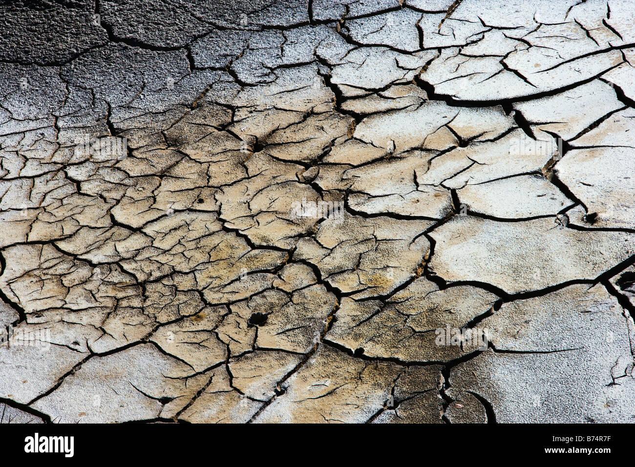 Neuseeland, Nordinsel, Waiotapu, Thermalbereich. Rissige Erde. Stockbild