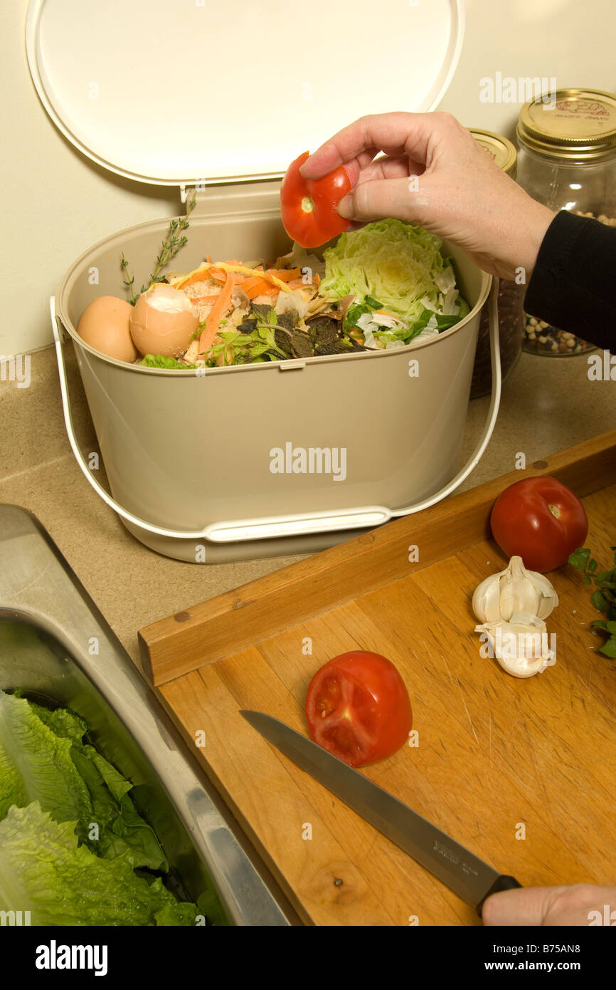 Bio Recycling Kuche Kompost Eimer Stockfoto Bild 21631156 Alamy