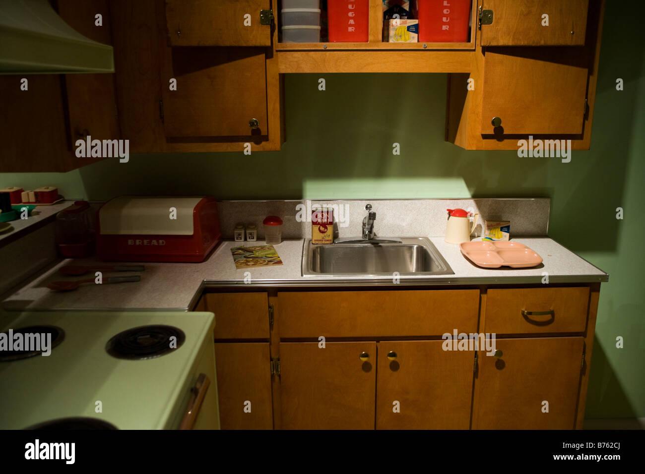 Amerikanischer Kühlschrank 50er Jahre : Er jahre amerikanische küche usa stockfoto bild  alamy