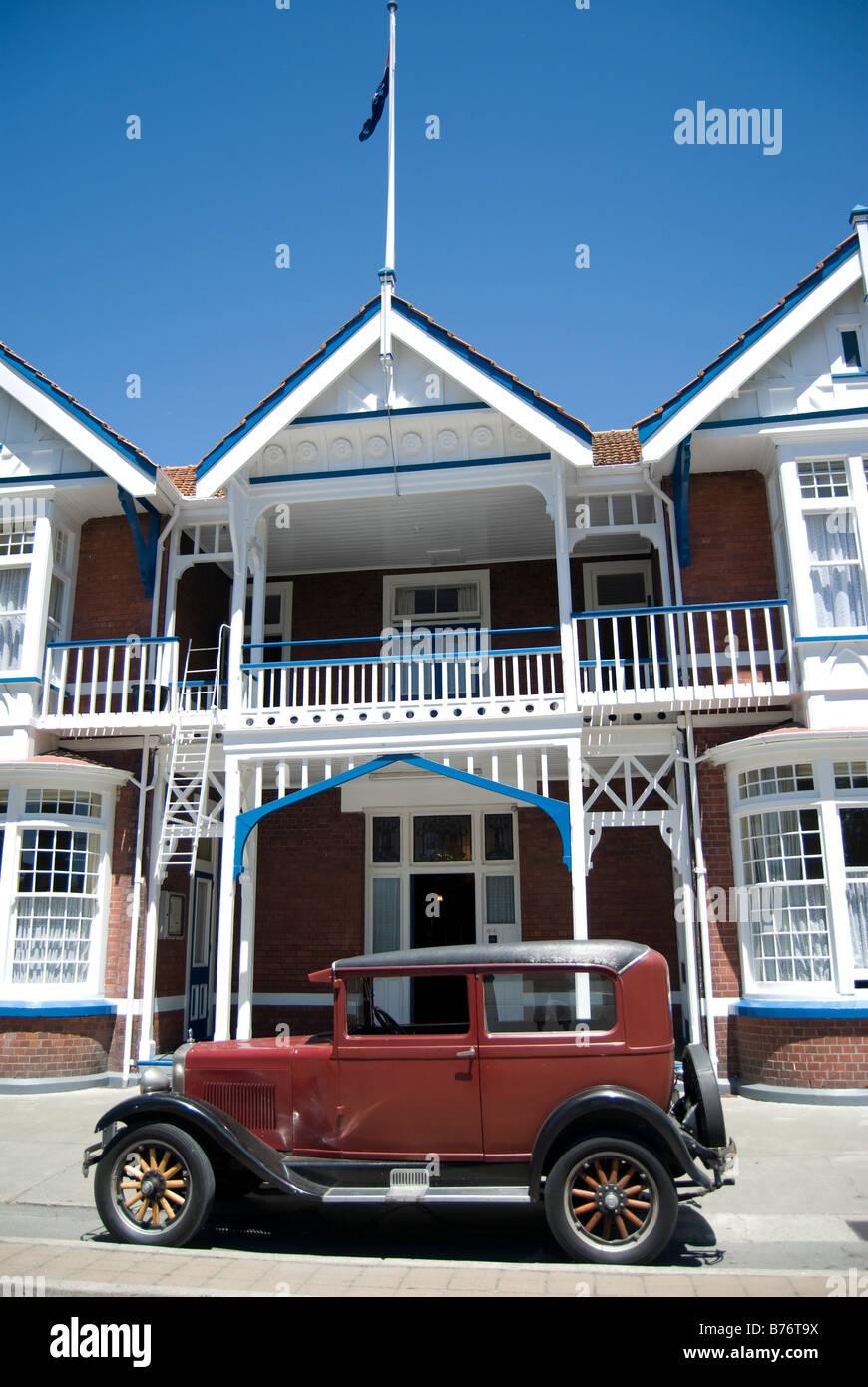 Vintage Erskine Auto außerhalb Windsor Hotel, Armagh Street, Christchurch, Canterbury, Neuseeland Stockbild