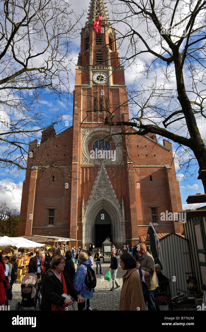 mariahilf kirche kirche auer dult markt m nchen bayern deutschland europa stockfoto bild. Black Bedroom Furniture Sets. Home Design Ideas