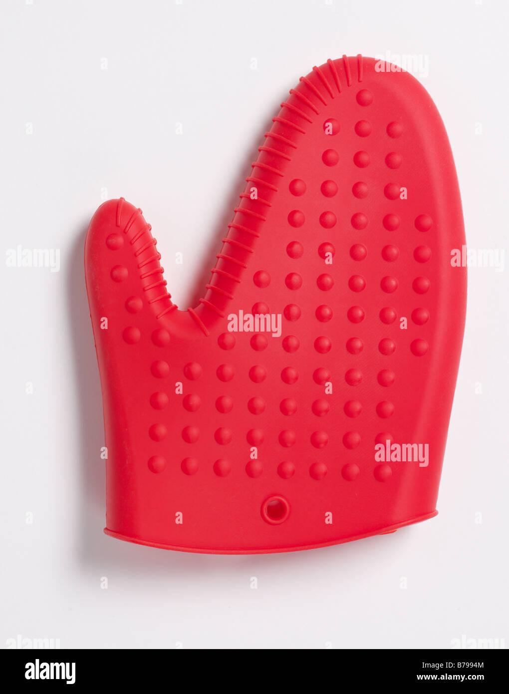 Roter Ofen Mitt Schutz für das Kochen von isolierten Handschuh Handschuh Finger Daumen Hand Schutz Stockbild