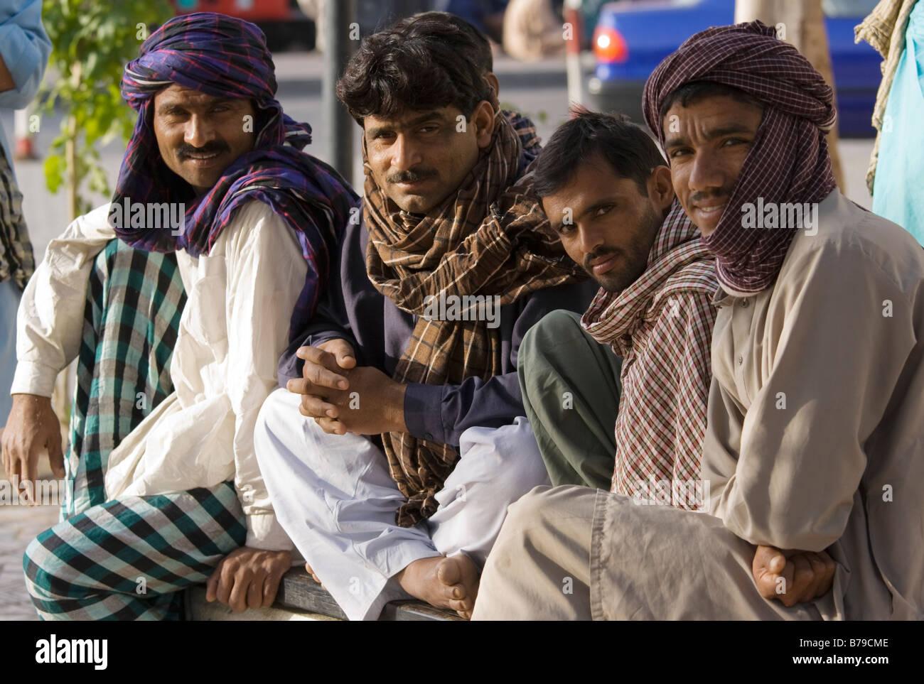 Gruppe von Hafenarbeitern, Dubai Creek Stockbild