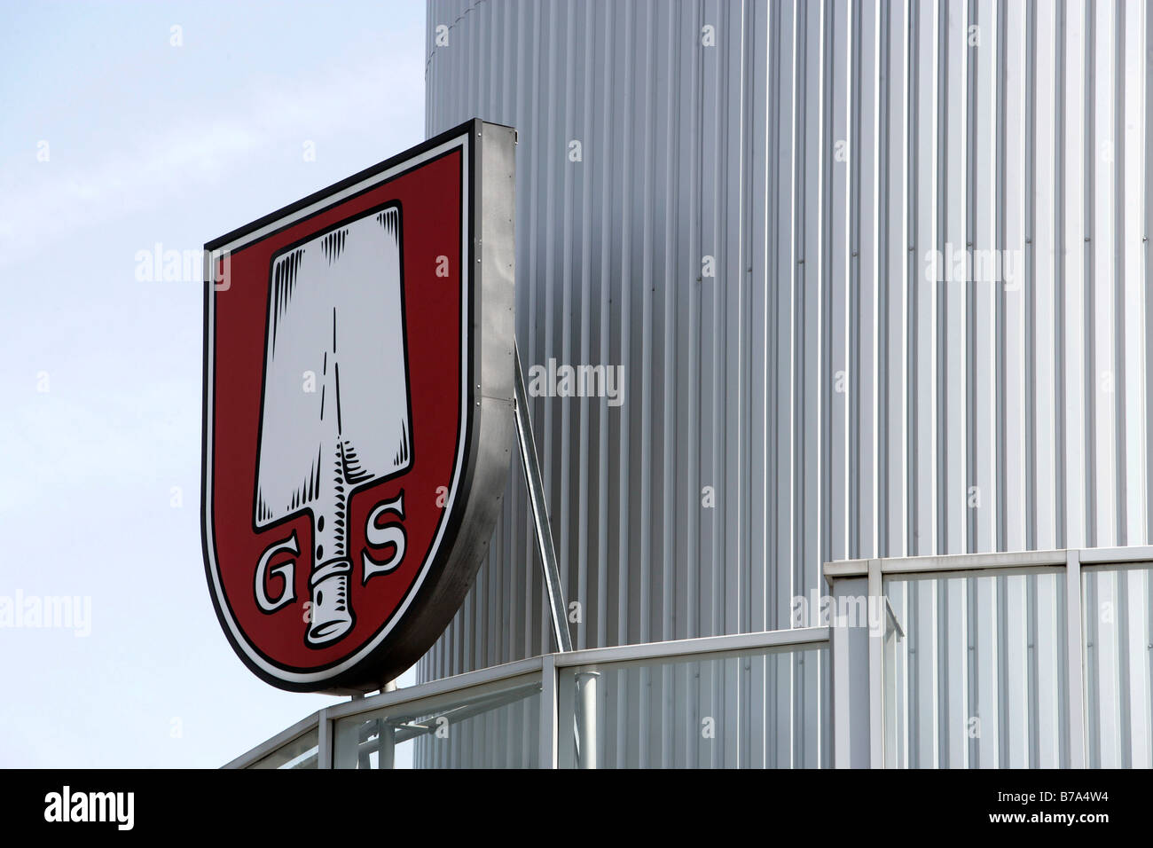 Außenaufnahme des Gär- und Lagertanks mit dem Logo der Spaten-Brauerei, München, Bayern, Deutschland, Stockbild