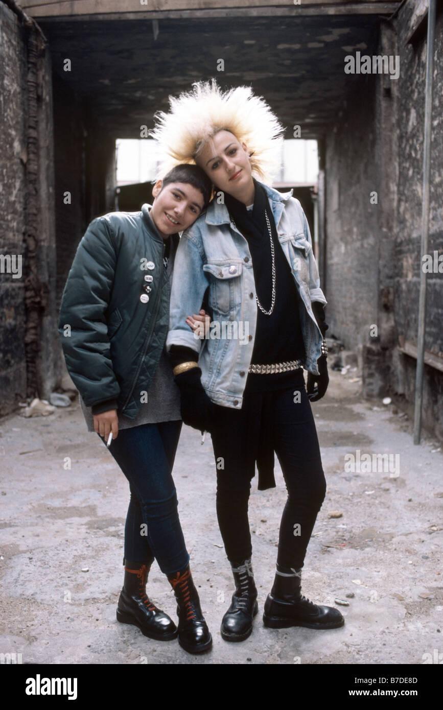 Punk-Mädchen aus den 80er Jahren Stockbild