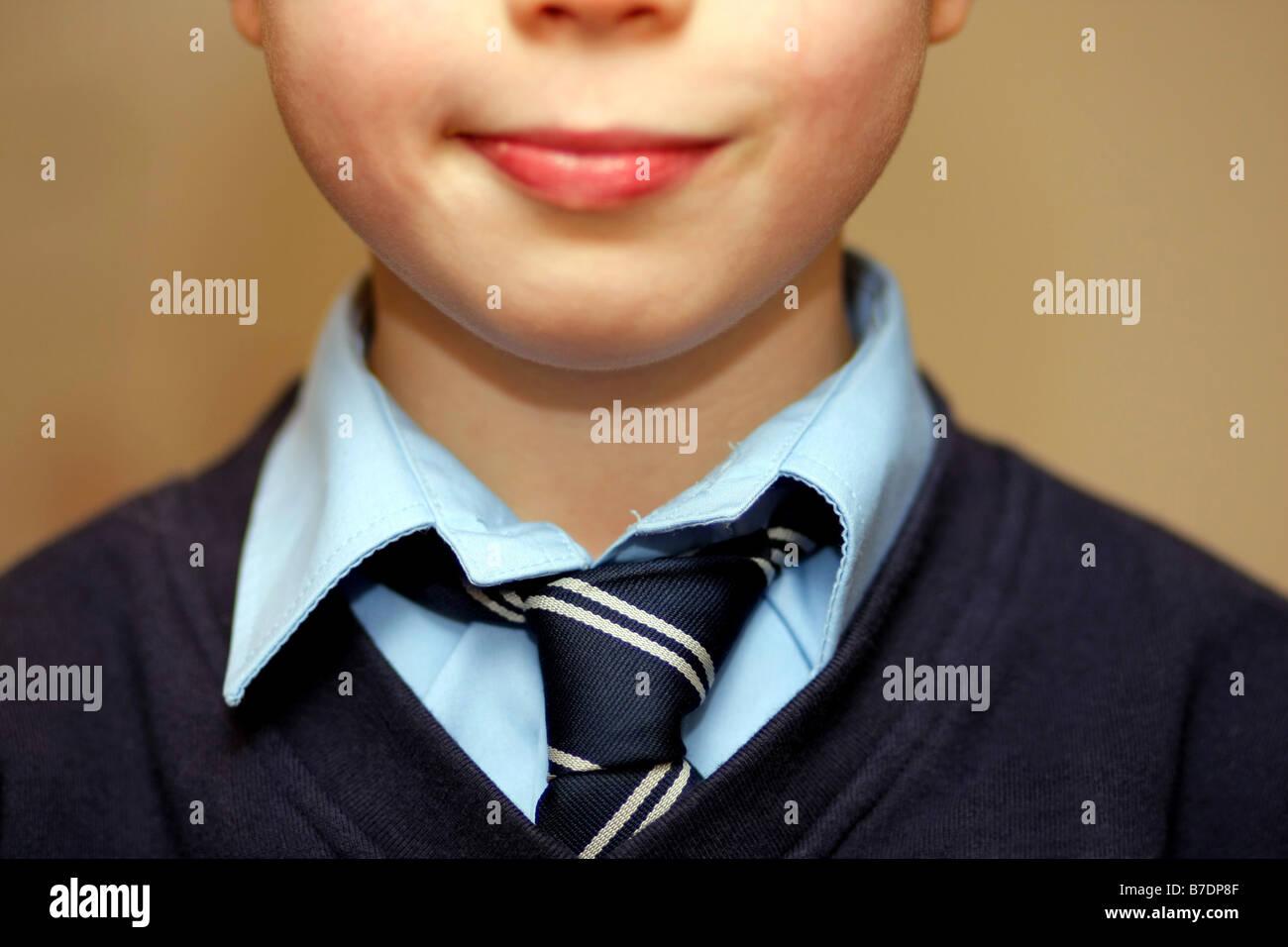 Schüler tragen Schule Krawatte Stockbild