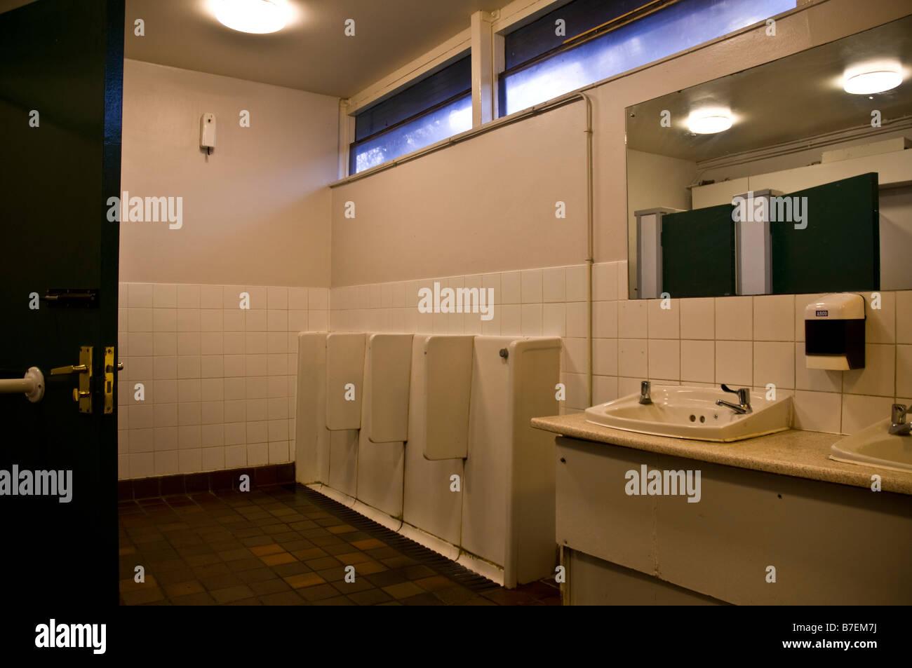 Dh Toiletten Uk Englisch öffentliche Toiletten Interieur Stockfoto