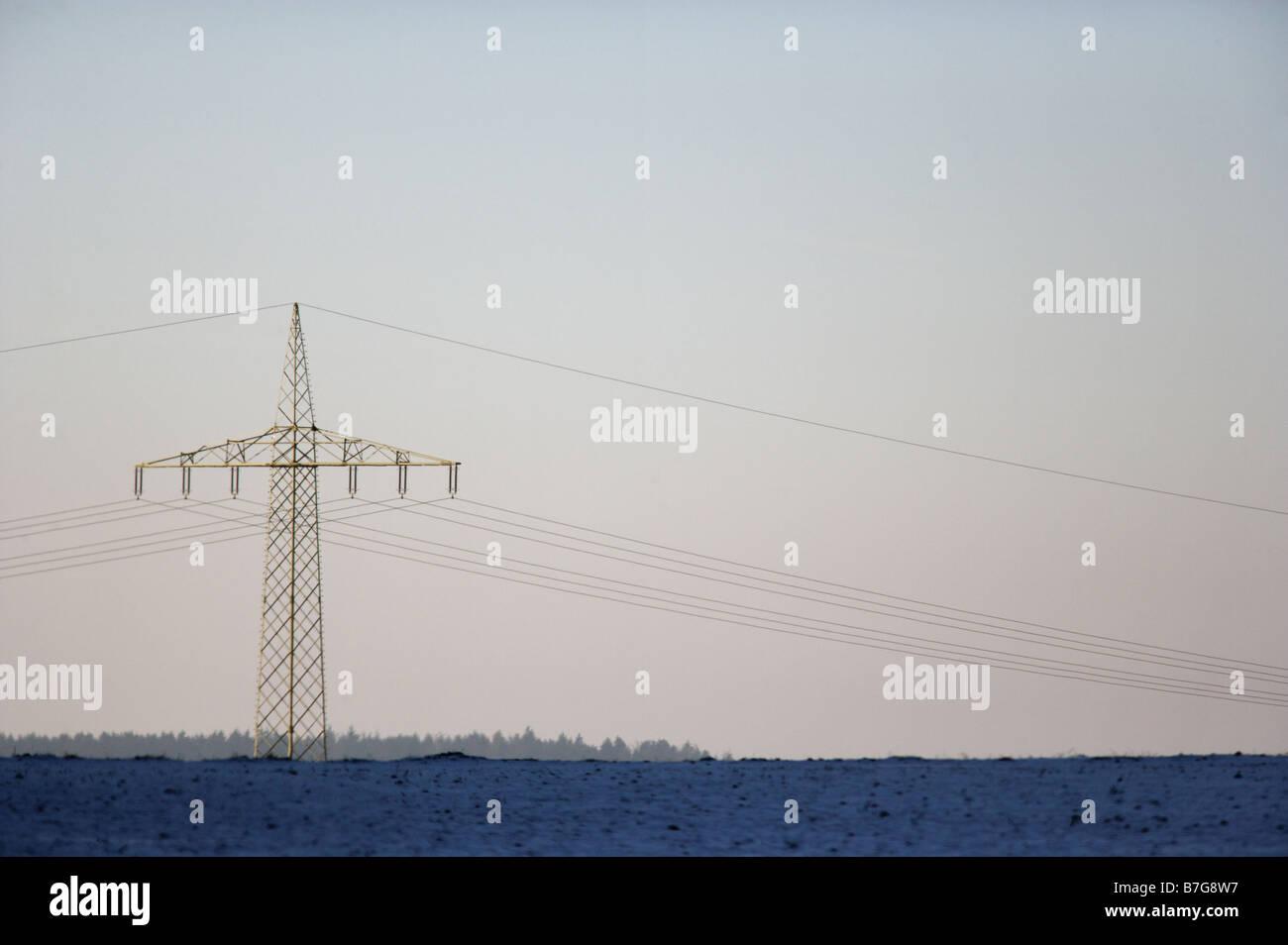 Energie-Versorgung-Strommast Stockbild