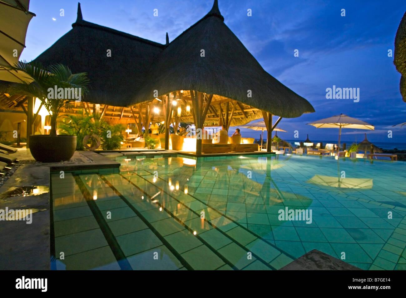 Pool und Hotel Bar Veranda Hotel Resort und Spa am Troux Aux Biches Mauritius Afrika Stockbild