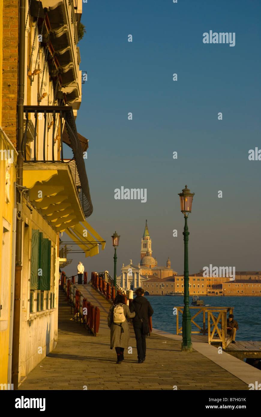Strandpromenade in Dorsoduro in Venedig Italien Europa Stockbild