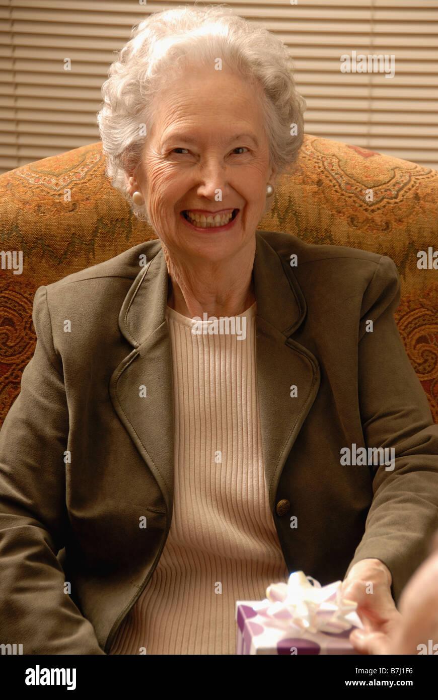 Altere Frau Im Sessel Regina Saskatchewan Stockfoto Bild