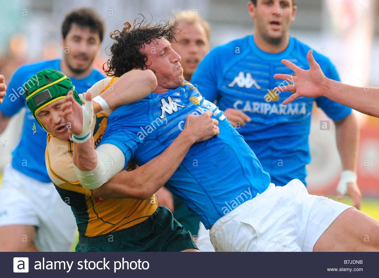 """Mauro Bergamasco Herausforderungen gegenüber matt giteu'padova 08 11 2008 """"Rugby Testspiel Italien-Australien 20 Stockfoto"""