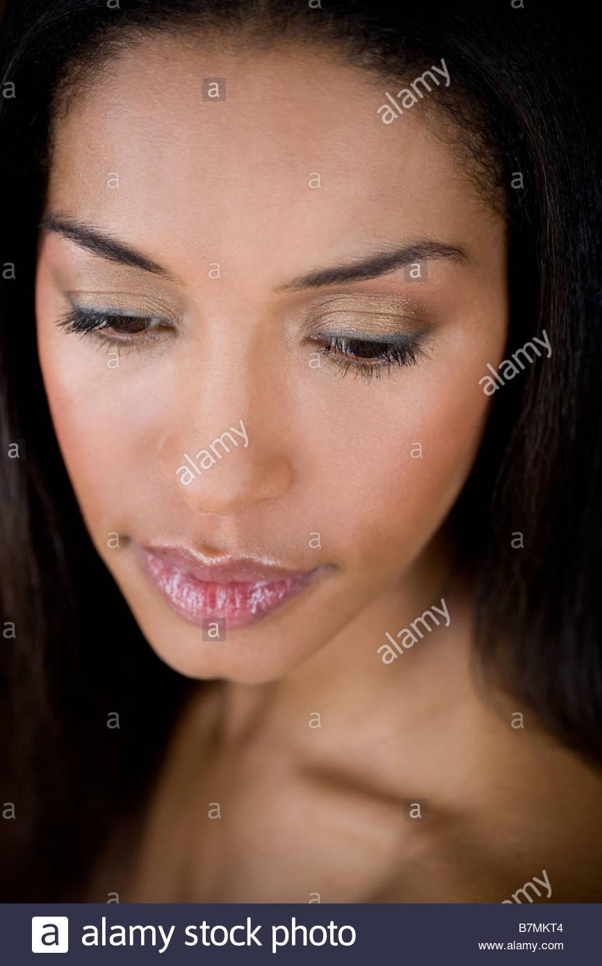 Ein Porträt einer jungen Frau Stockbild