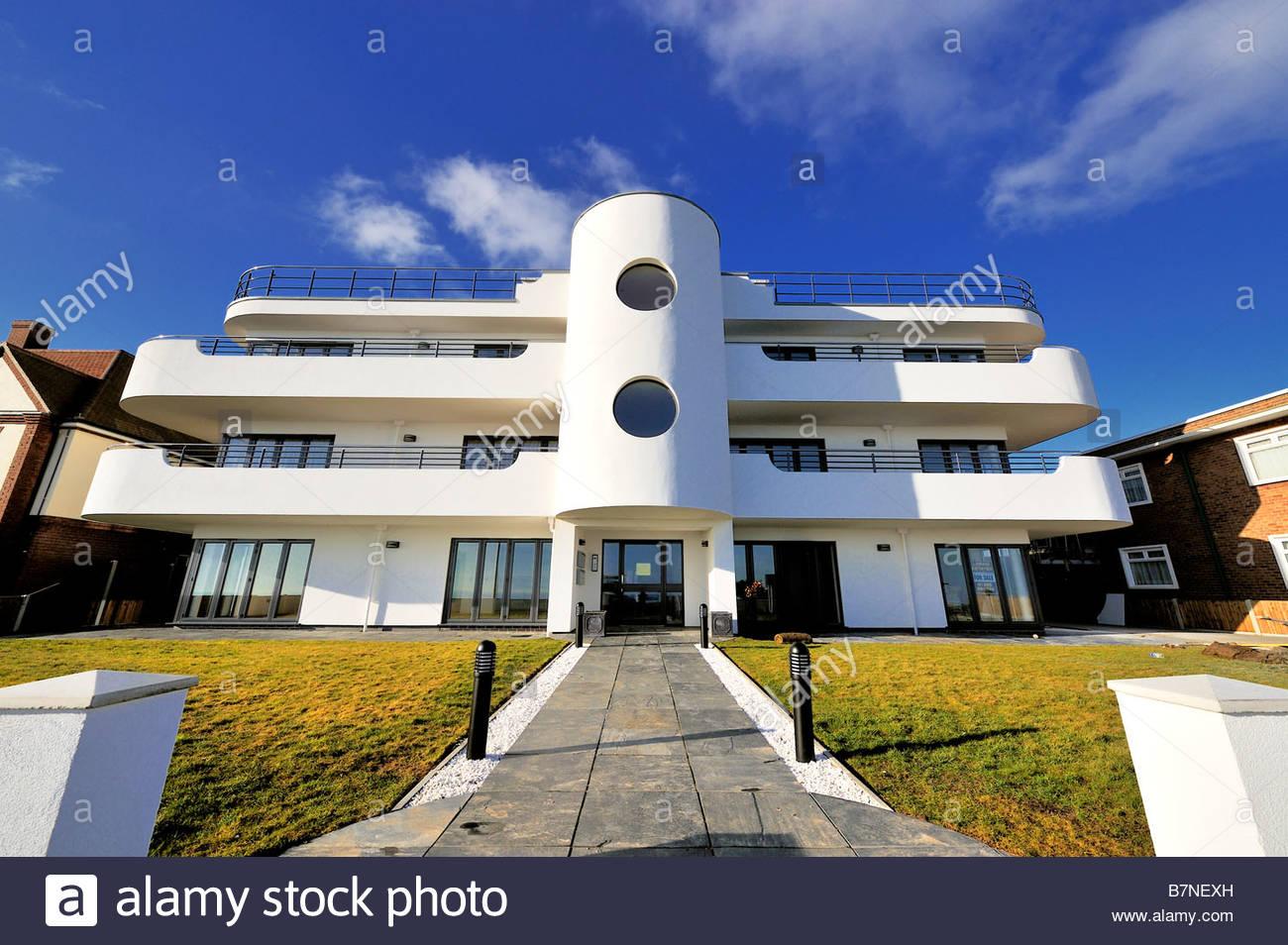 Einem neuen Wohnblock am Frinton-on-Sea im Stil Art Déco erbaut Stockfoto