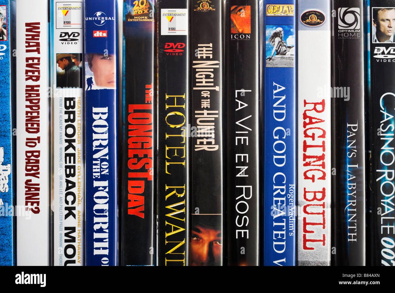 Reihe von Stacheln des berühmten DVD Filme hautnah Stockbild