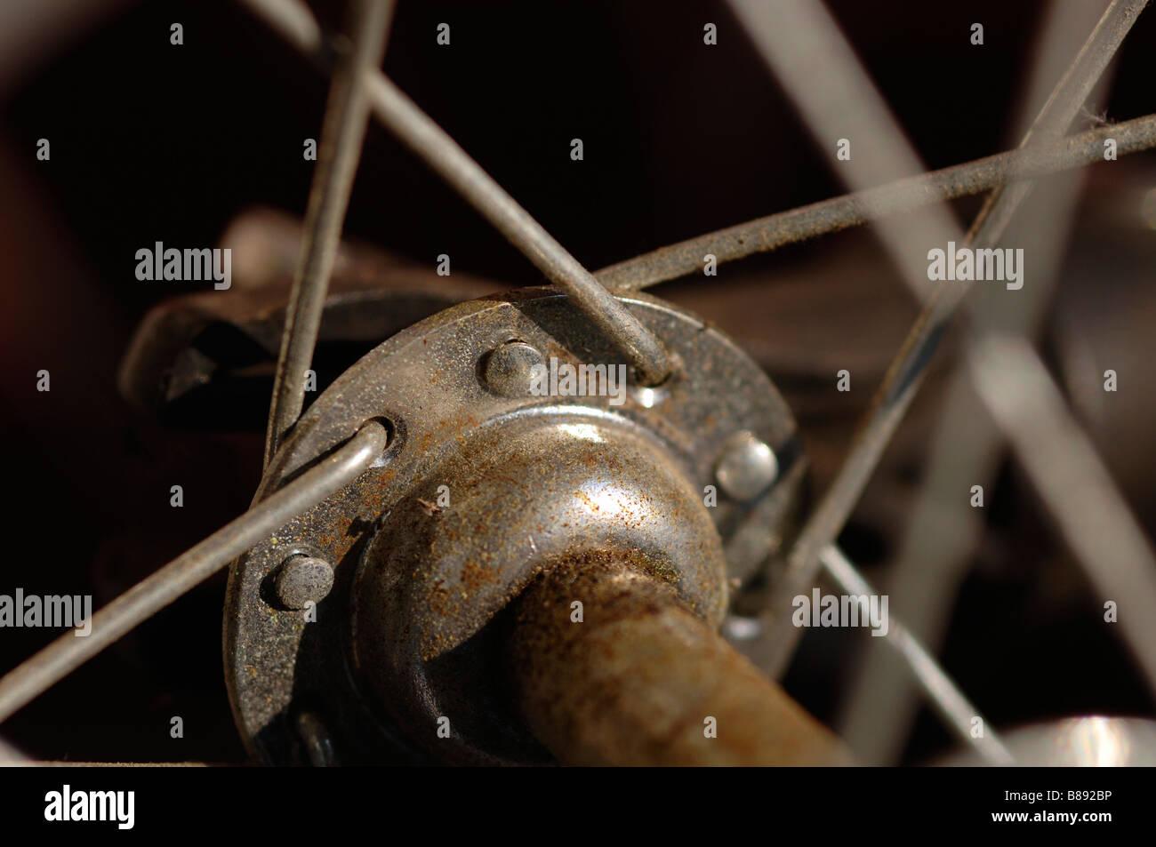 Nahaufnahme von Nabe und Speichen auf einem Fahrrad-Rad Stockbild