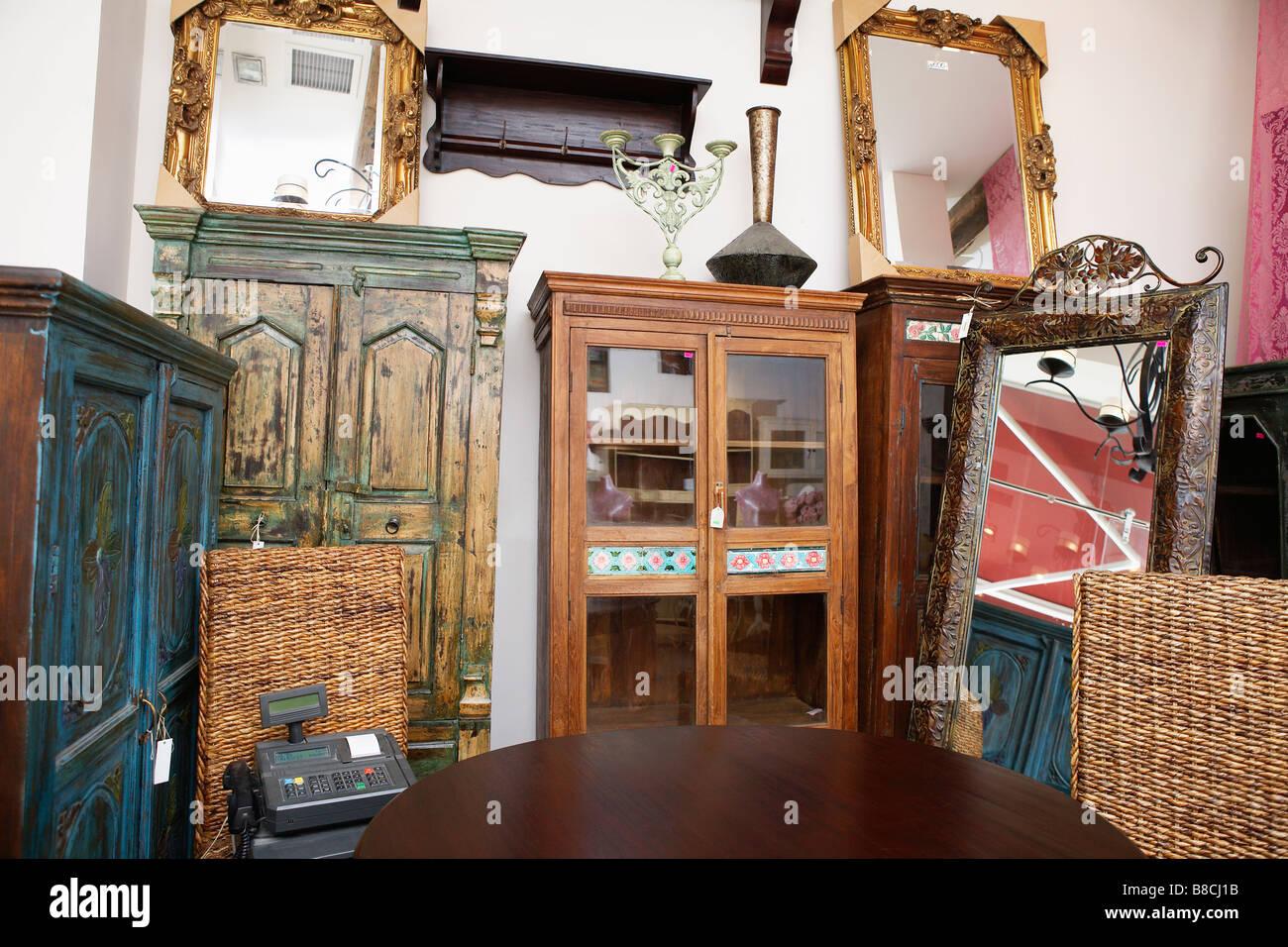 Gebrauchte Büromöbel Shop Stockfoto Bild 22405191 Alamy