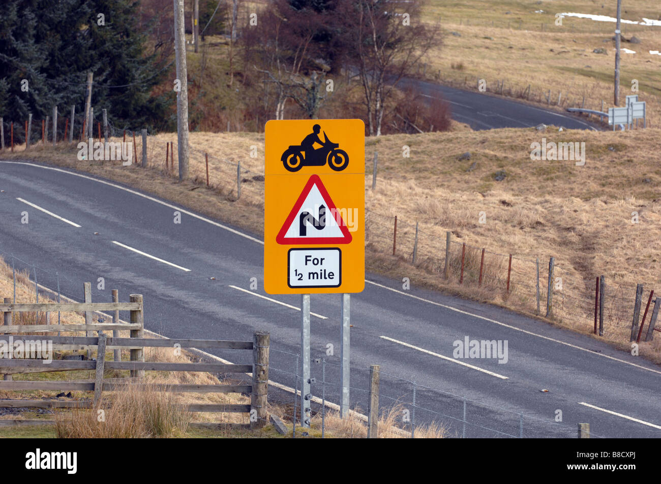 road sign slow drive stockfotos road sign slow drive bilder seite 2 alamy. Black Bedroom Furniture Sets. Home Design Ideas