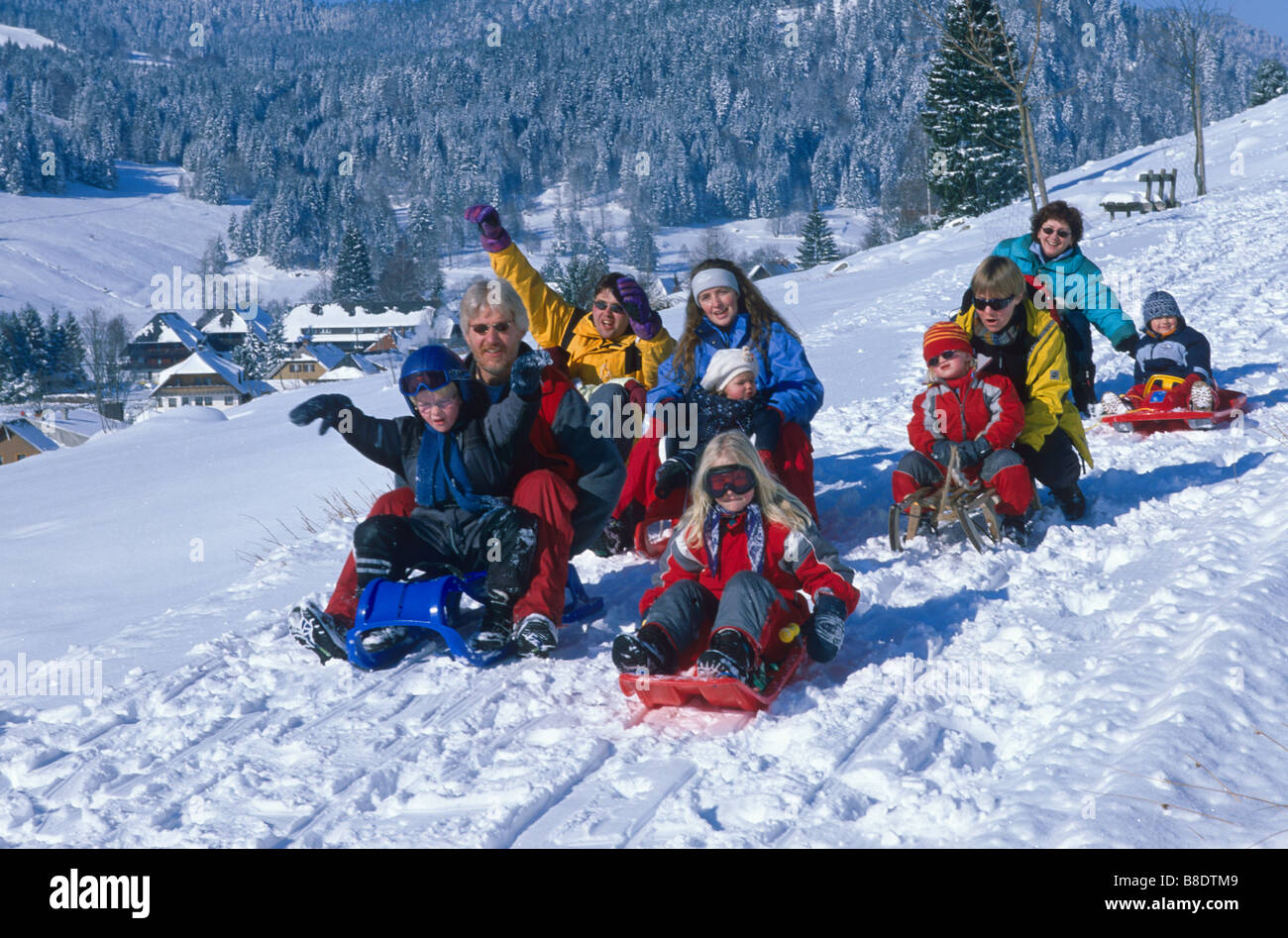 sledge ride stockfotos sledge ride bilder alamy. Black Bedroom Furniture Sets. Home Design Ideas