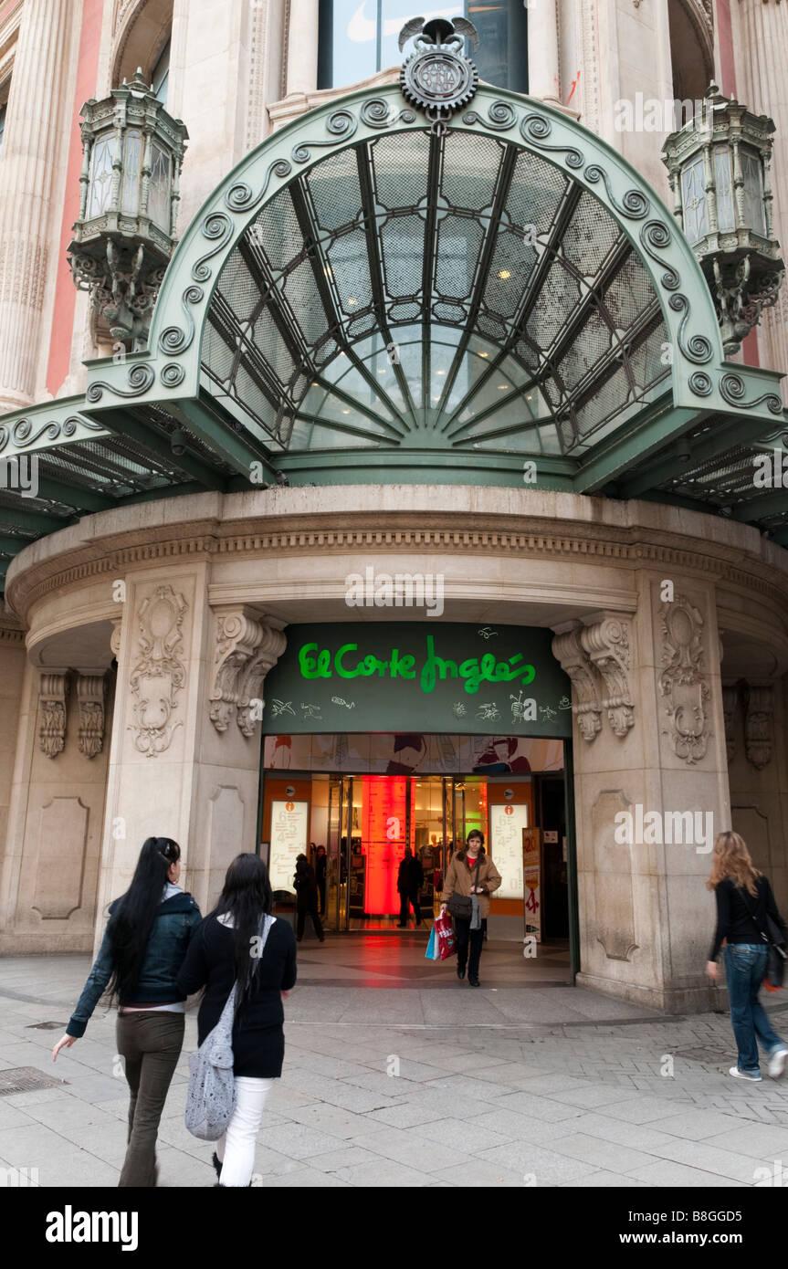 El Corte Ingles auf Avinguda Portal de l ' Angel, Barcelona, Spanien Stockbild