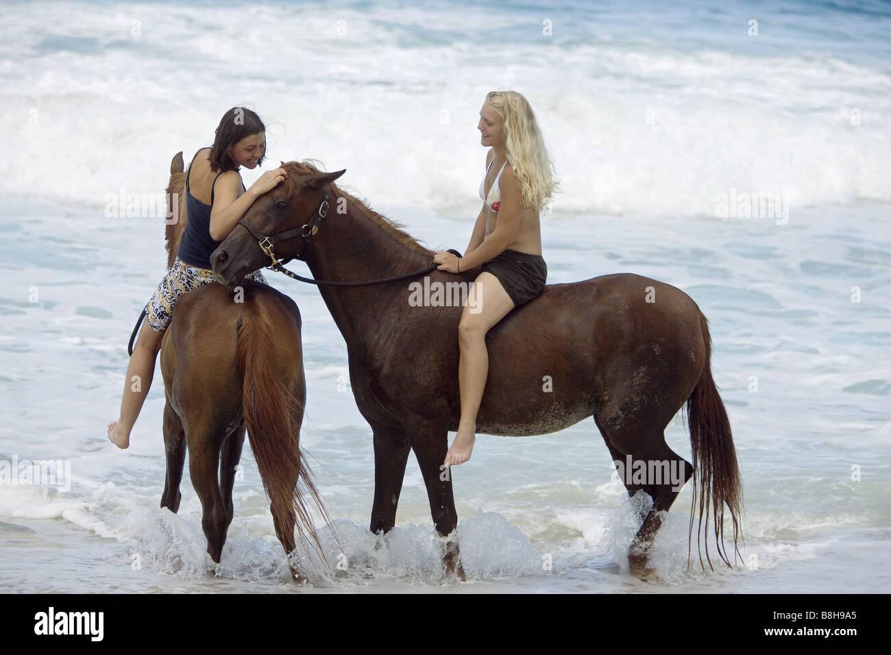 frauen haben sex mit pferden