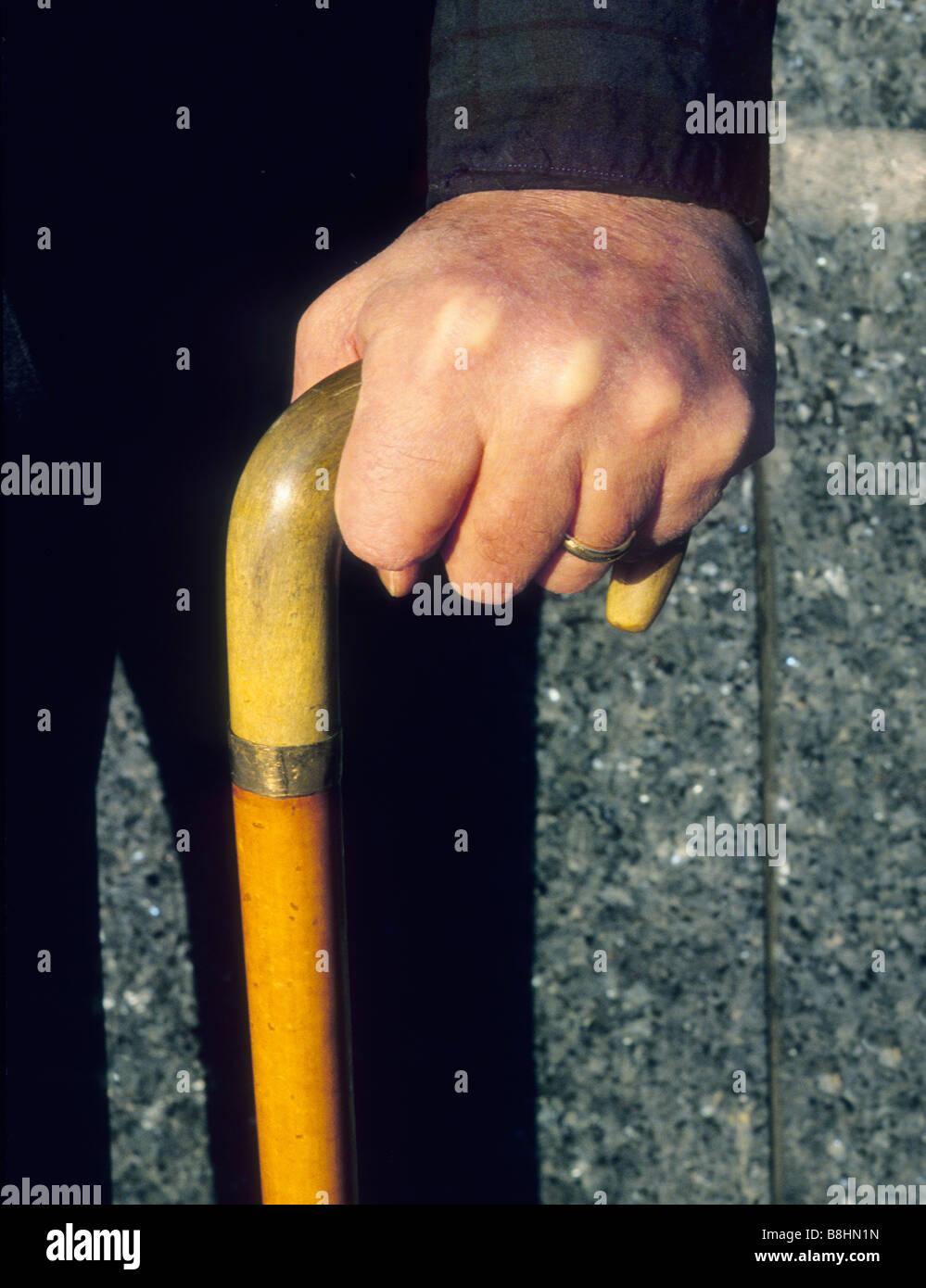 New York City ältere Behinderte Mann mit Stock USA Stockbild