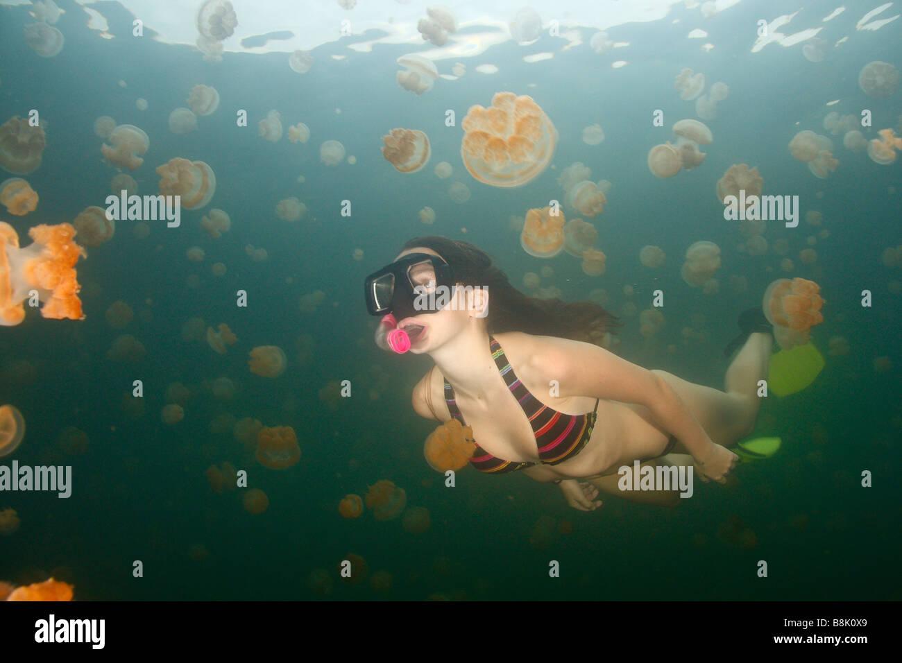Schwimmen unter dem Rock