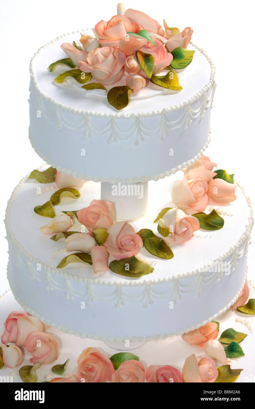 Hochzeitstorte Mit Marzipanrosen Dekoriert Stockfoto Bild 22568510
