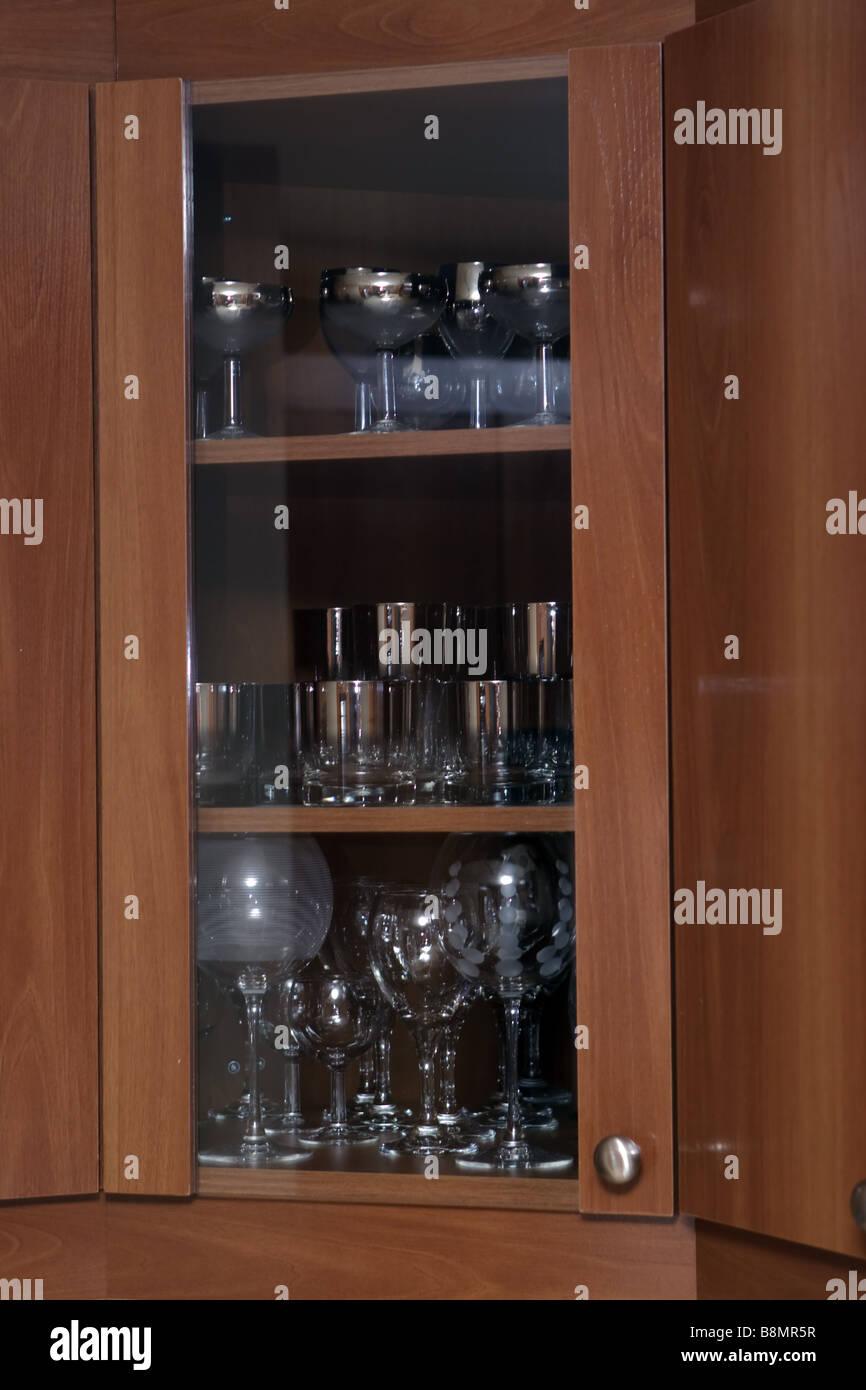 Küchenschrank mit Designer Brillen Stockfoto, Bild: 22584851 - Alamy