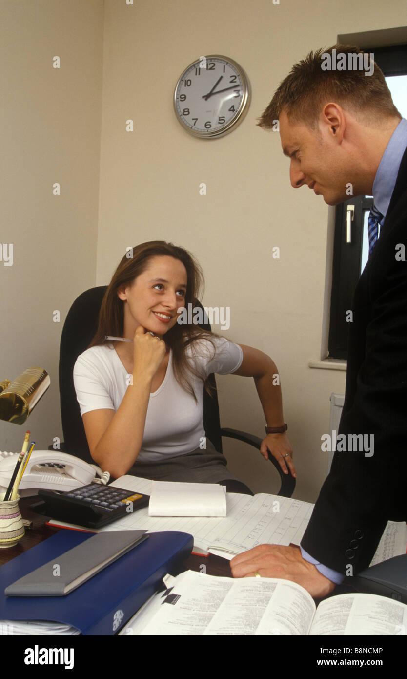 in der arbeit flirten