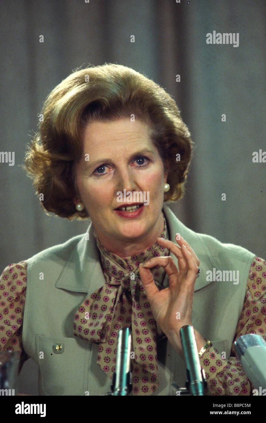 Premierministerin Margaret Thatcher auf eine politische Konferenz in den 1980er Jahren London England Vereinigtes Stockfoto